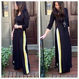 Pants - Gorgeous side striped wide leg pants